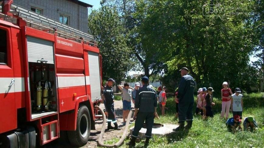 Новомосковские школьники побывали в гостях у спасателей      , фото-1