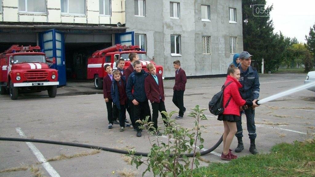 Новомосковские спасатели учат школьников основам безопасности жизнедеятельности, фото-3