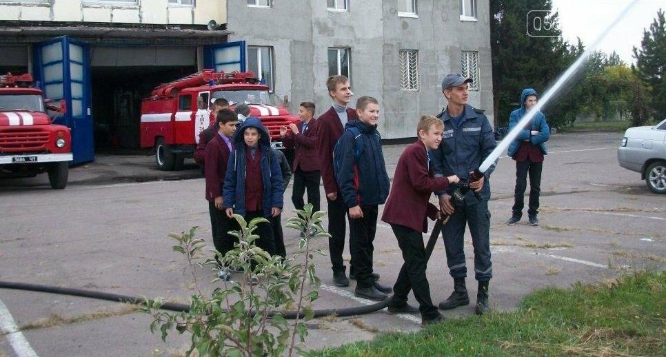Новомосковские спасатели учат школьников основам безопасности жизнедеятельности, фото-4