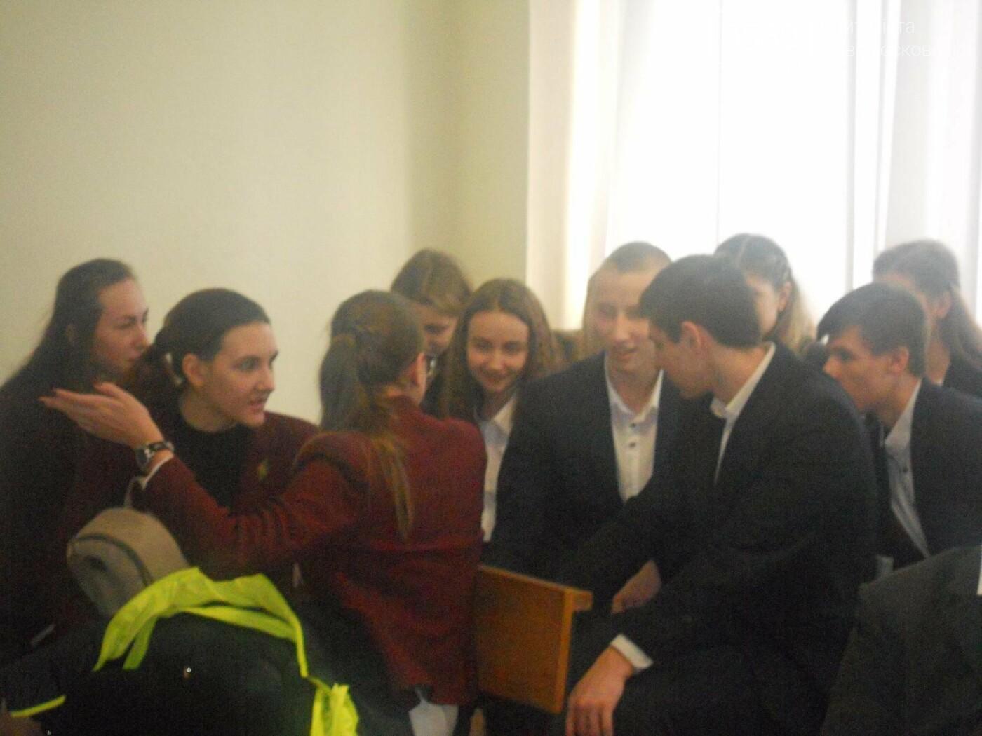 В Новомосковському суді вітали незвичайних гостей, фото-16