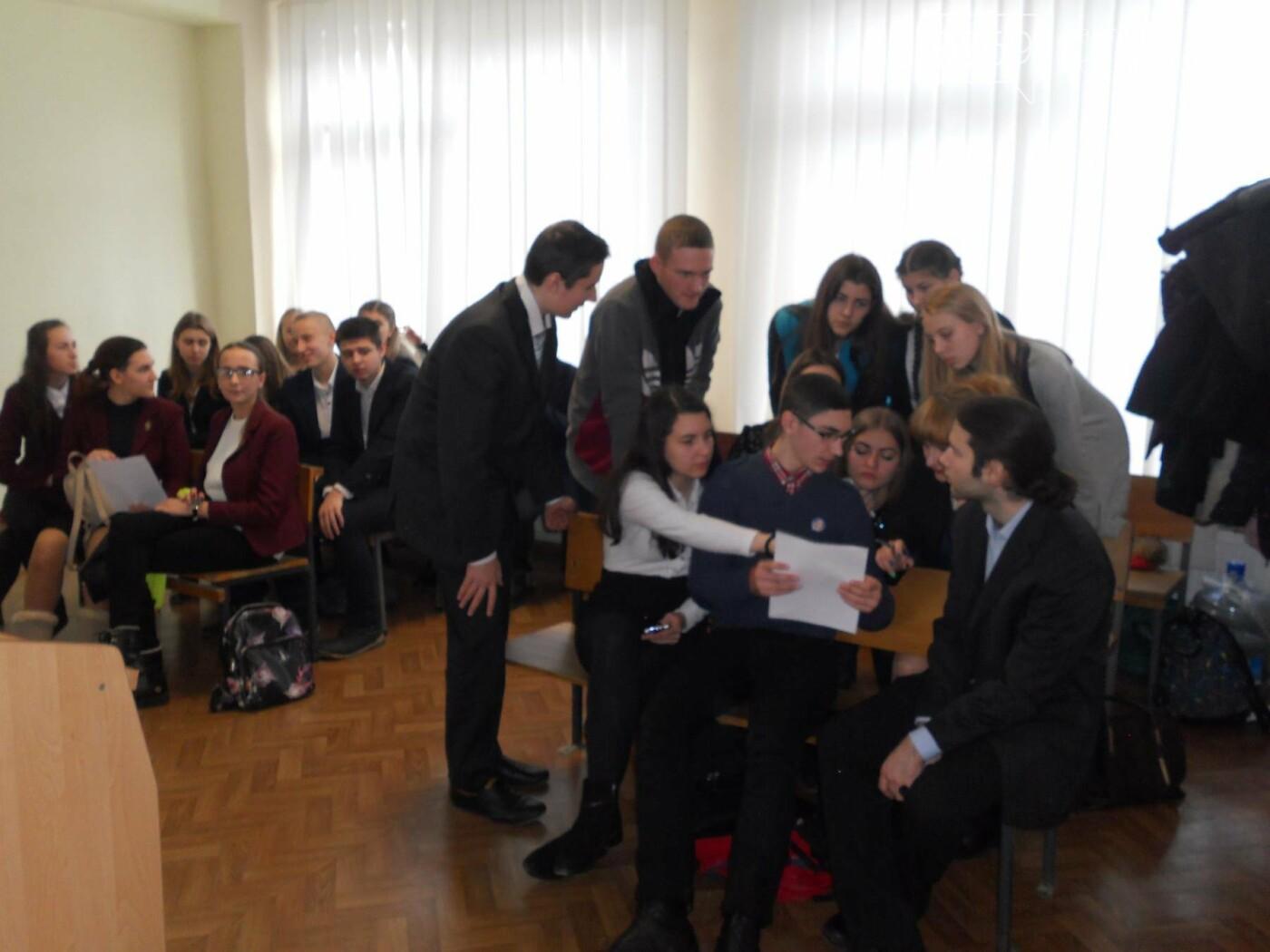 В Новомосковському суді вітали незвичайних гостей, фото-9