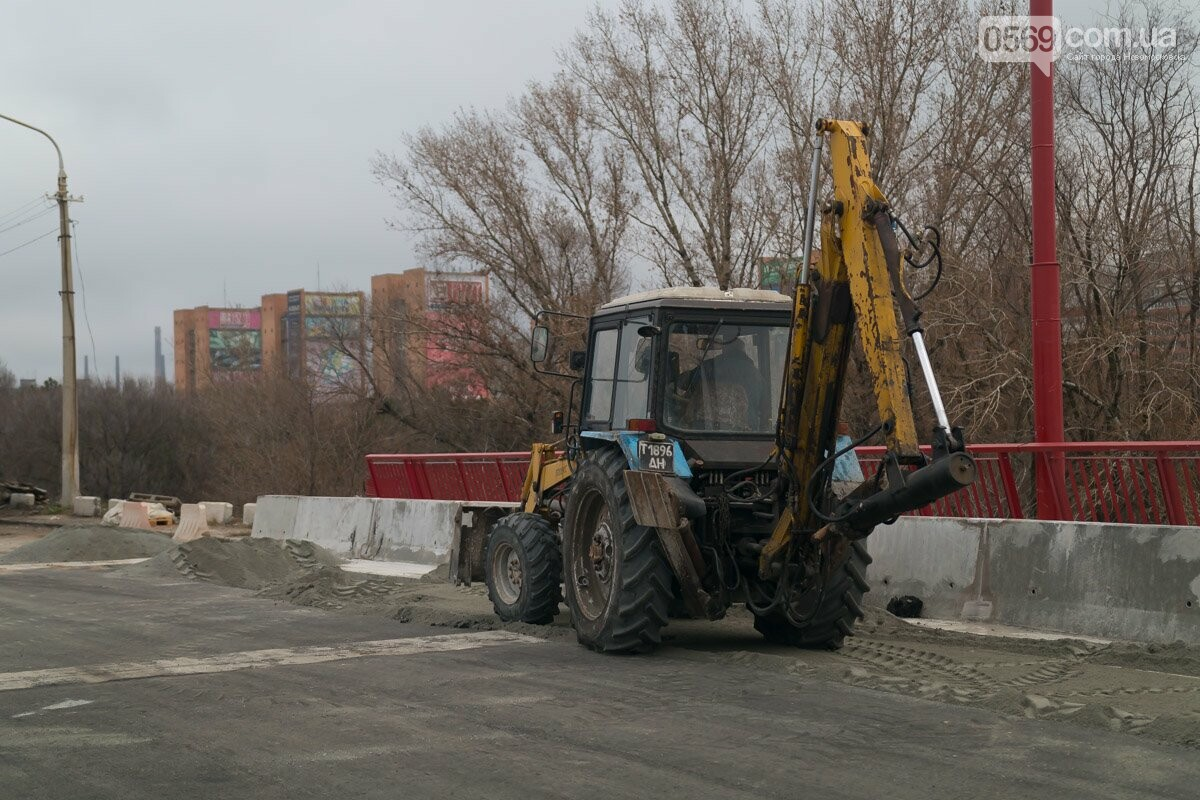 Последние штрихи: Новый мост в Днепре готовят к открытию, фото-1