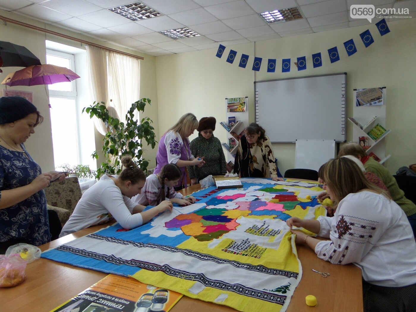 Новомосковськ долучився до створення вишиваної карти України , фото-1