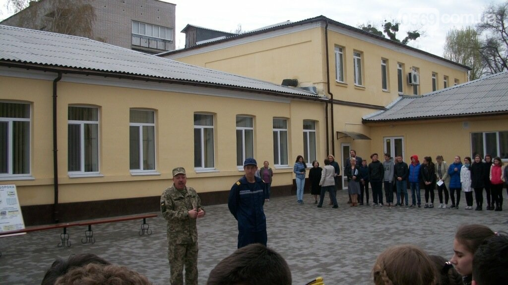 З Новомосковського ліцею евакуювали дітей, фото-2