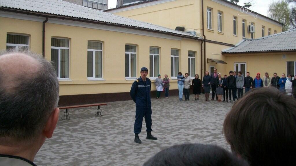 З Новомосковського ліцею евакуювали дітей, фото-4