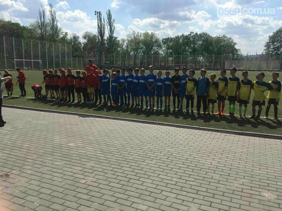 Юные футболисты из Новомосковска стали серебряными призерами областного турнира, фото-3