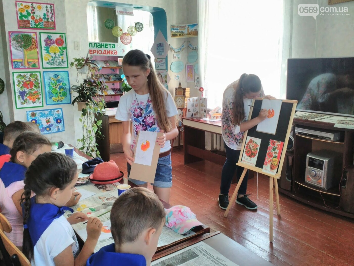 Новомосковські школярі опановували петриківський розпис, фото-2