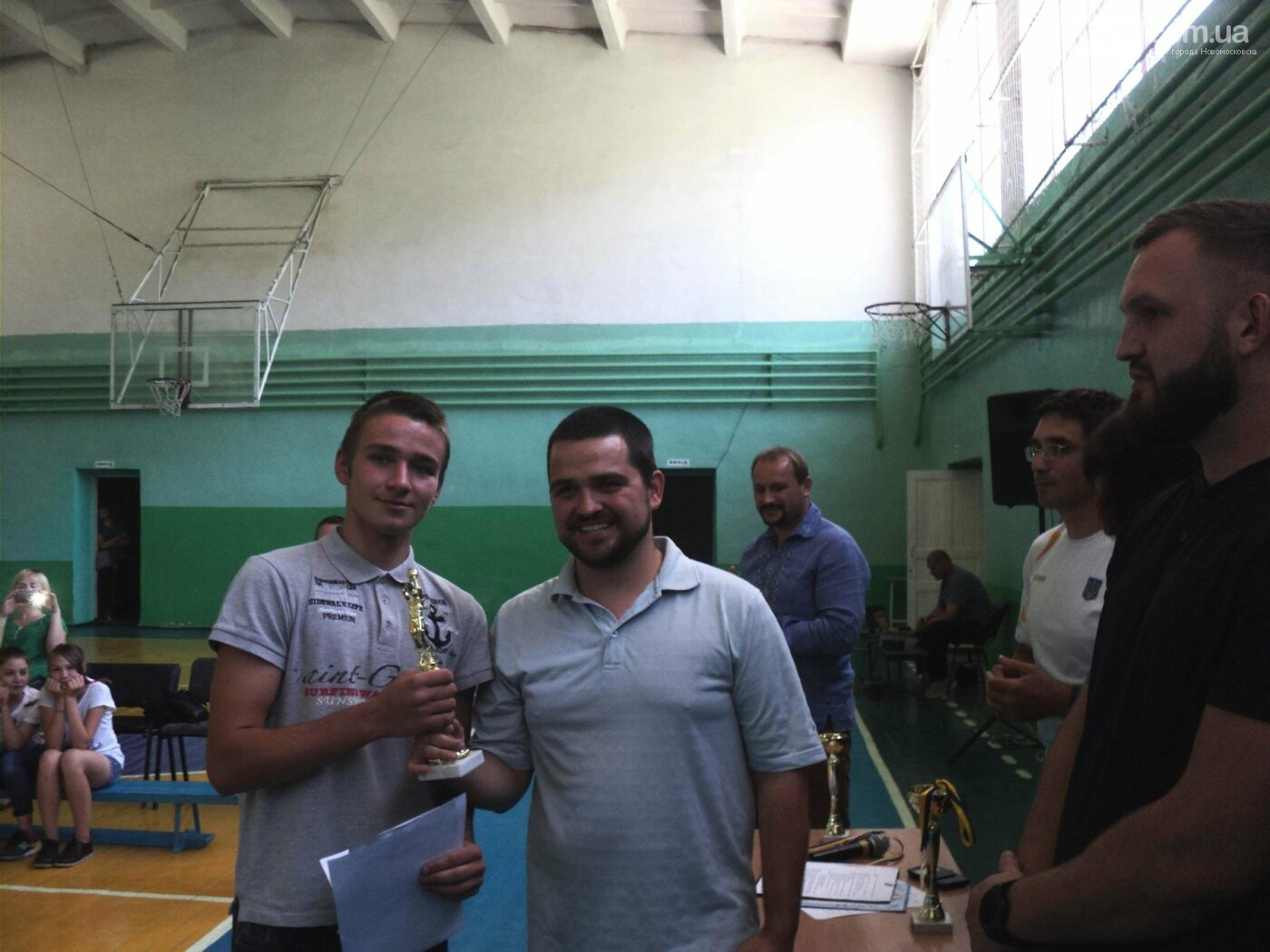 Баскетболістів Новомосковська привітали с перемогою на чемпіонаті України , фото-4