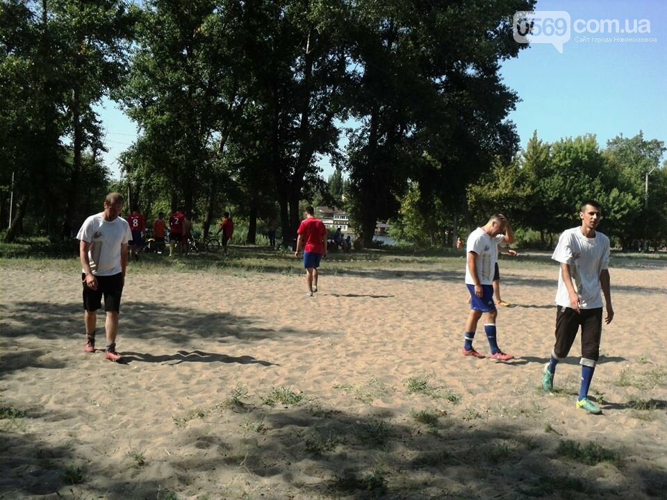 В Новомосковську пройшов  турнір з пляжного футболу, фото-1