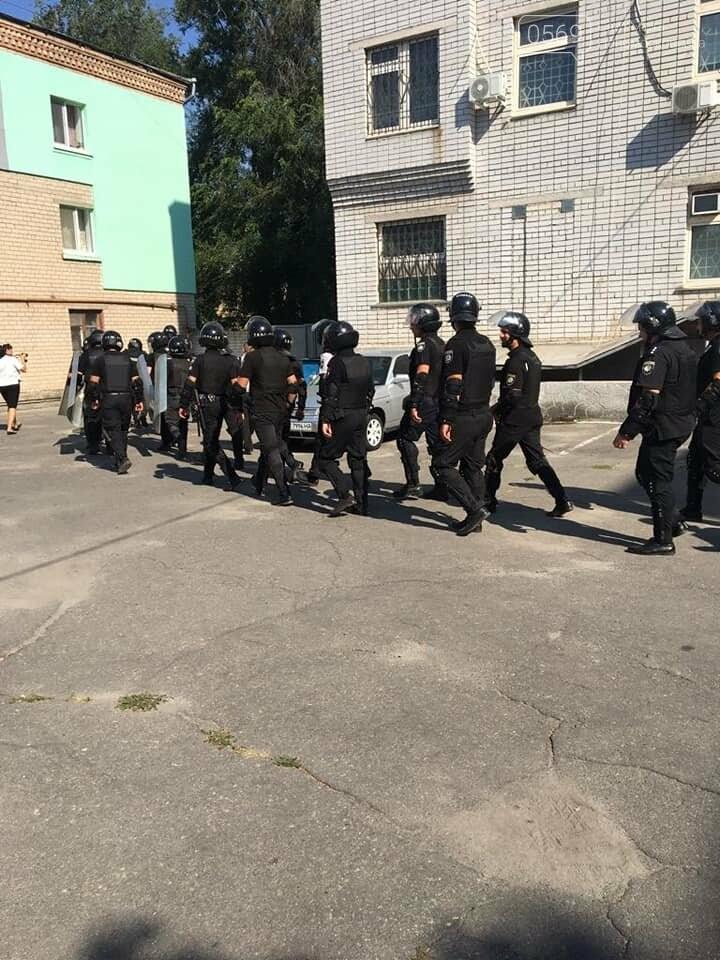 Новомосковські поліцейські провели навчання з протидії масовим заворушенням , фото-3