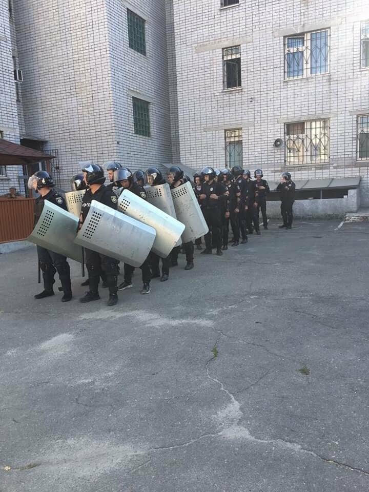 Новомосковські поліцейські провели навчання з протидії масовим заворушенням , фото-1