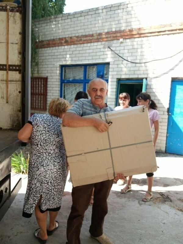 Школи Новомосковщини повністю забезпечили підручниками та новими партами для першокласників, фото-5