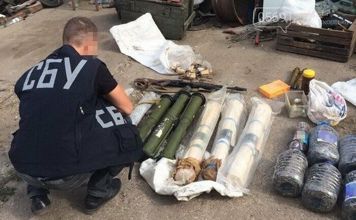 В гаражі новомосковця виявили арсенал зброї, фото-3