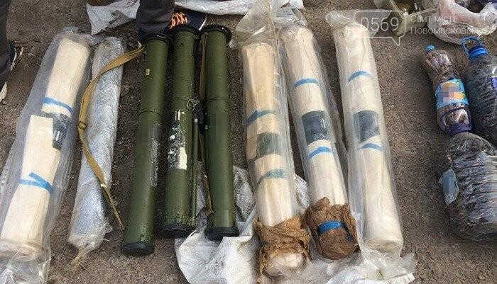 В гаражі новомосковця виявили арсенал зброї, фото-5