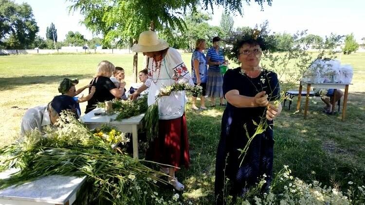 У Новомосковську до свята Трійці влаштували народні гуляння, фото-4