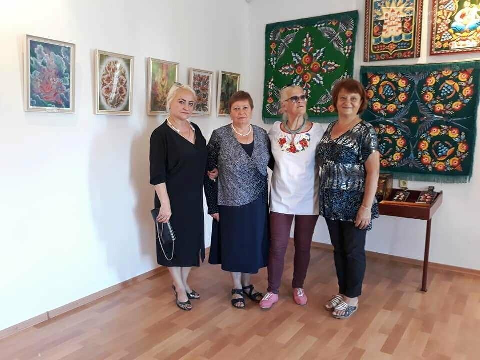 Виставку робіт художниці з Новомосковська відкрили у відомому музеї декоративного мистецтва., фото-2
