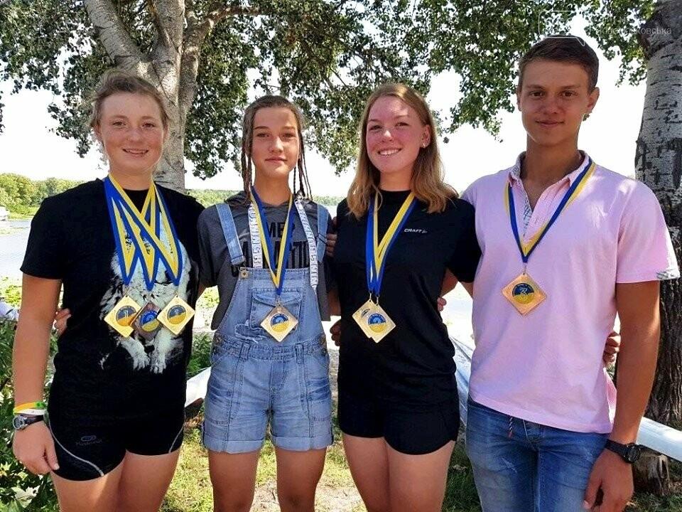 Новомосковські веслярі додали у свою скарбничку 3 золота Чемпіонату країни, фото-1
