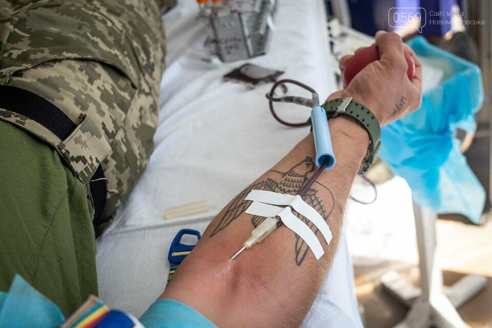У Новомосковській районній лікарні стали донорами 72 воїни 93-ї ОМБр, фото-1
