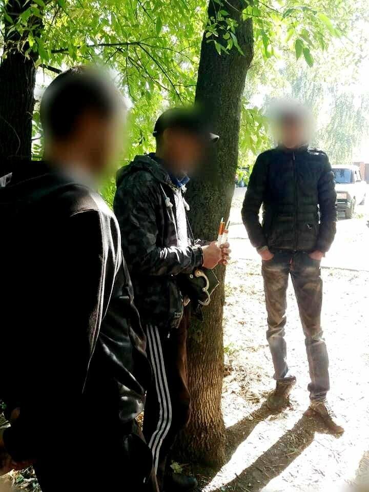 У Новомосковську поліцейські знайшли у чоловіка наркотики, фото-1