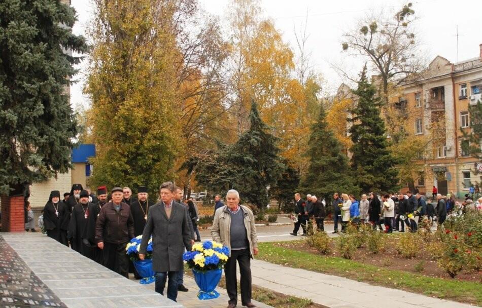 Новомосковці вшанували пам'ять загиблих у Другій світовій війні, фото-4