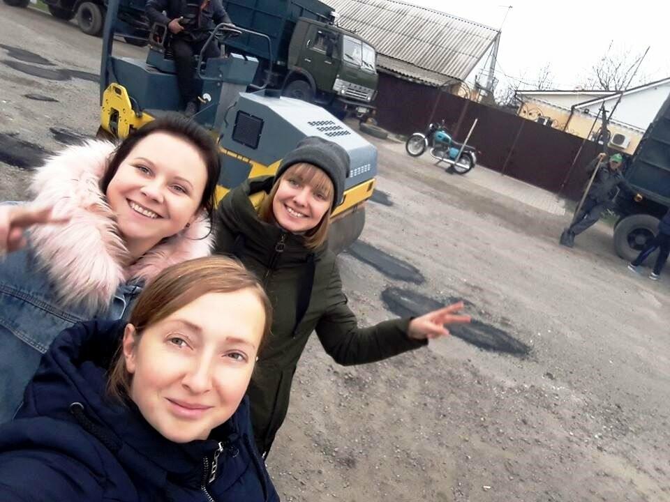 Мешканці Спаського, що на Новомосковщині, скинулися коштами і власноруч відремонтували сільську дорогу, фото-5