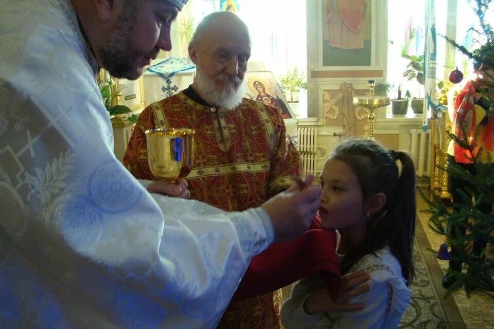 До свята Різдва у храмах та церквах Новомосковська відслужили Божественні літургії, фото-6