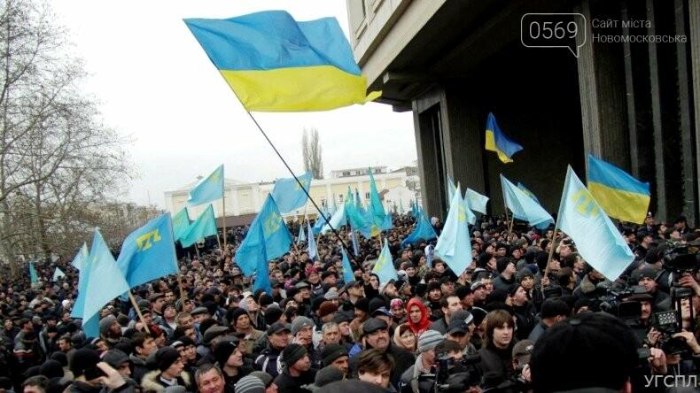 """Сьогодні Україна відзначає День кримськотатарського опору російській окупації: протистояння і """"зелені чоловічки"""" , фото-2"""