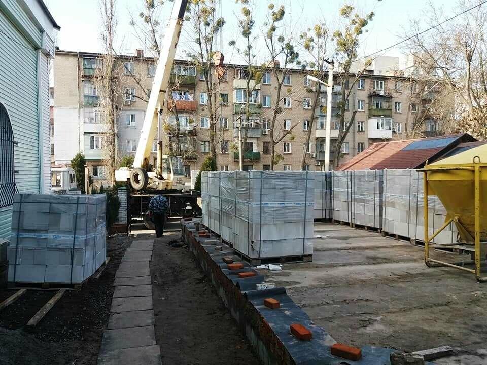 У Новомосковську поруч з Свято-Троїцьким храмом будують недільну школу: містянам пропонують долучитися, фото-2