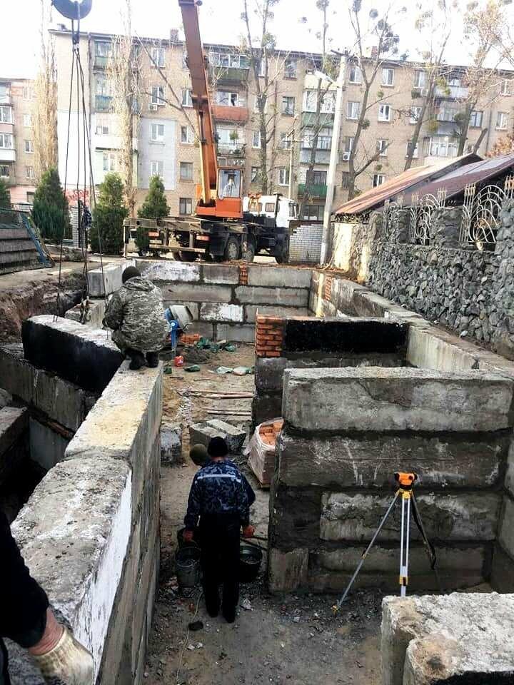 У Новомосковську поруч з Свято-Троїцьким храмом будують недільну школу: містянам пропонують долучитися, фото-1