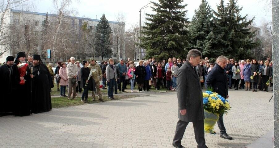 У Новомосковську вшанували пам'ять Великого Кобзаря: фото, фото-5