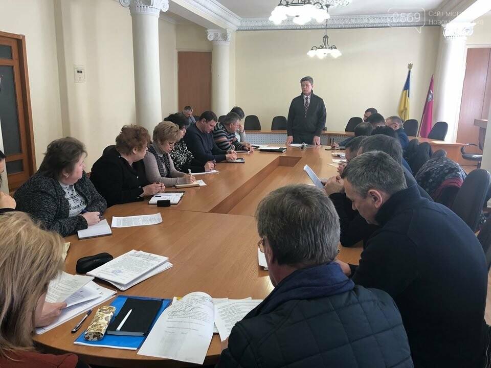 У Новомосковську поширили обмежувальні заходи щодо недопущення коронавірусу: місто на карантині , фото-1