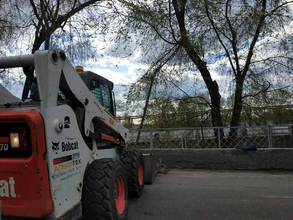 У Новомосковську тривають роботи з благоустрою міста, озеленення та ремонтів, фото-16