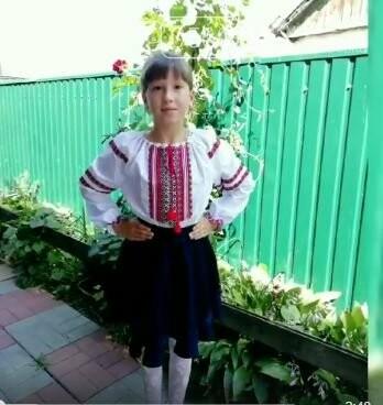 Школярі Новомосковська долучилися до всеукраїнського флешмобу до Міжнародного дня вишиванки: перегляньте ВІДЕО, фото-8