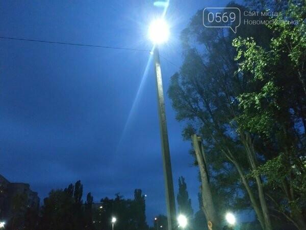 На стадіоні школи № 6 Новомосковська з'явилося світло: черговий проект «Бюджету участі» втілено в життя , фото-4