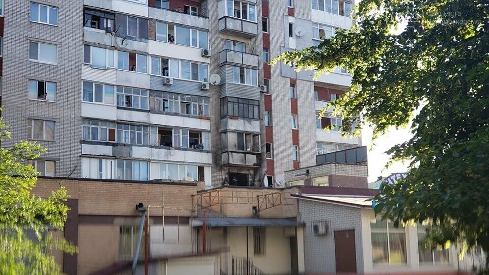 У центрі Новомосковська горіла квартира: серйозно постраждав її власник; 7- річного ж хлопчика врятували, фото-4