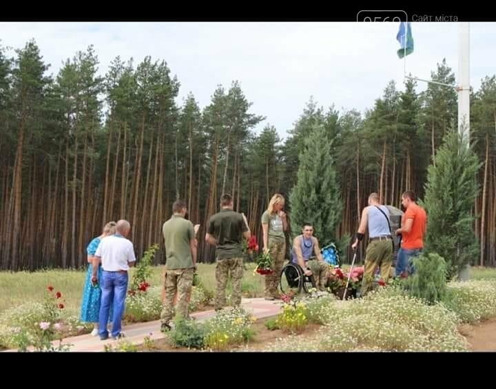На Новомосковщині згадують Героїв: шість років тому загинули на сході країни воїни 25 ОПДБр, фото-12