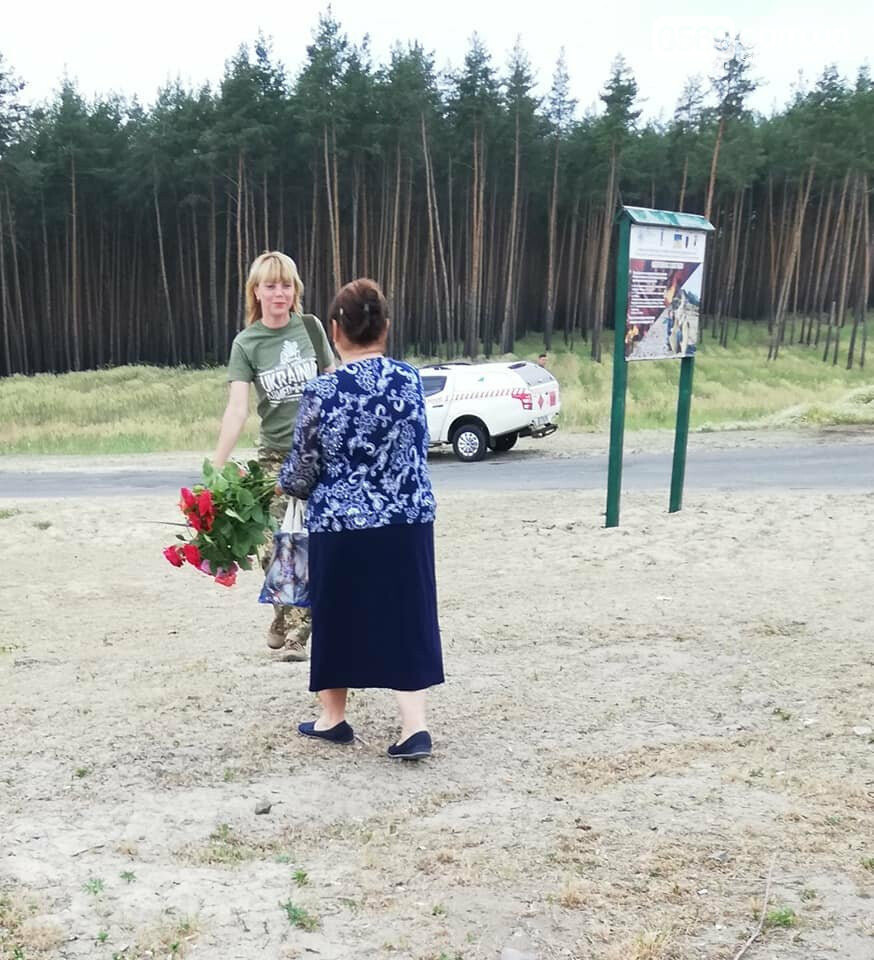Шість років подвигу: як на Ямпільському перехресті вшанували загиблих Героїв з Новомосковщини, фото-20