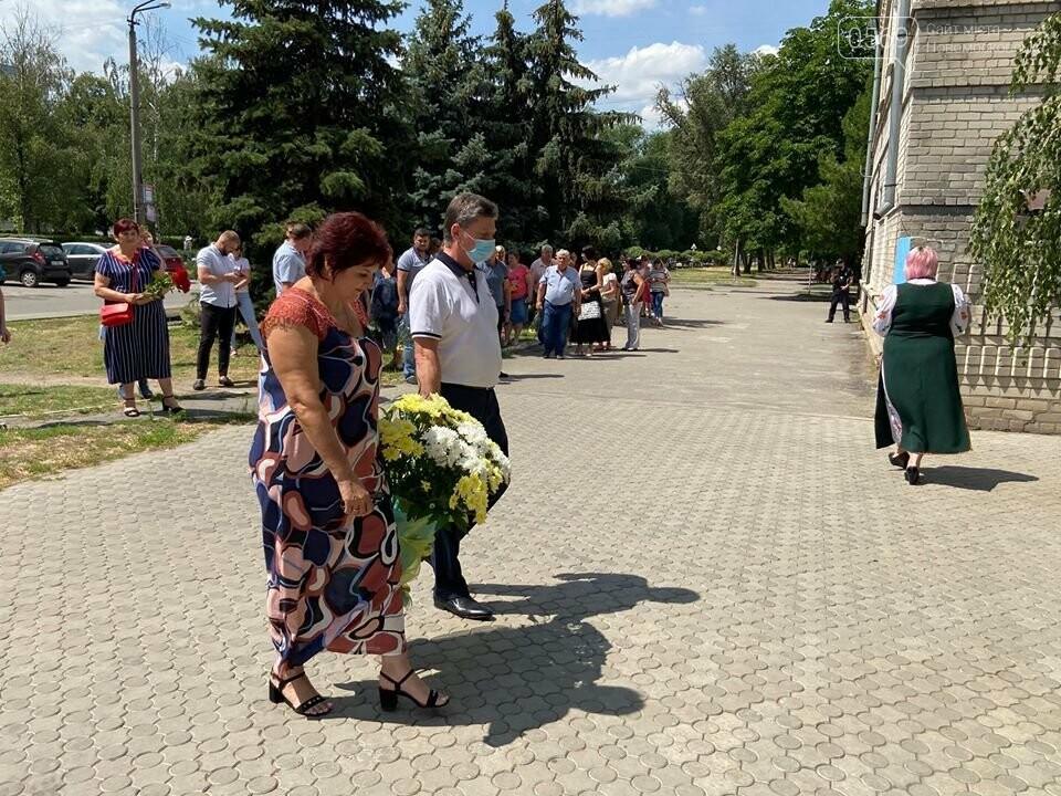 У Новомосковську відбулася церемонія покладання квітів з нагоди 30-ї річниці Декларації про суверенітет України, фото-3