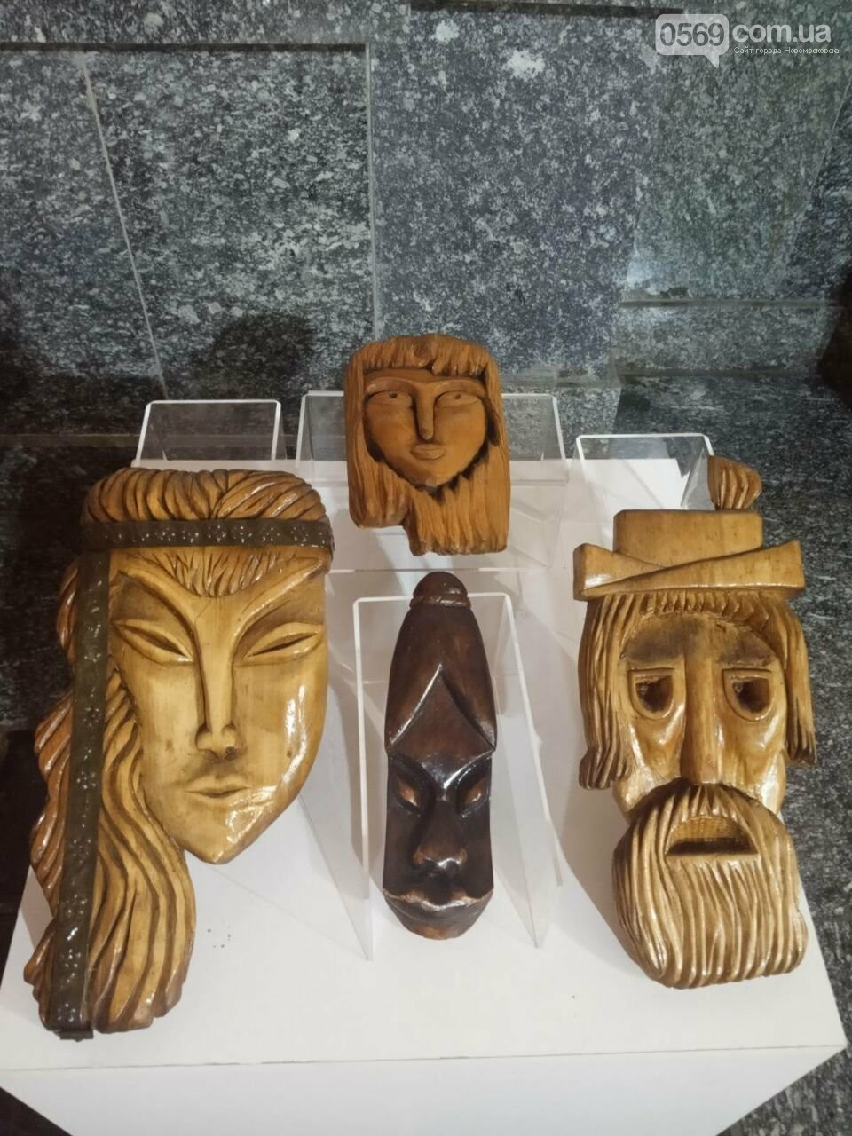 Мешканців Дніпропетровщини запрошують на виставки дерев'яних скульптур, фото-2