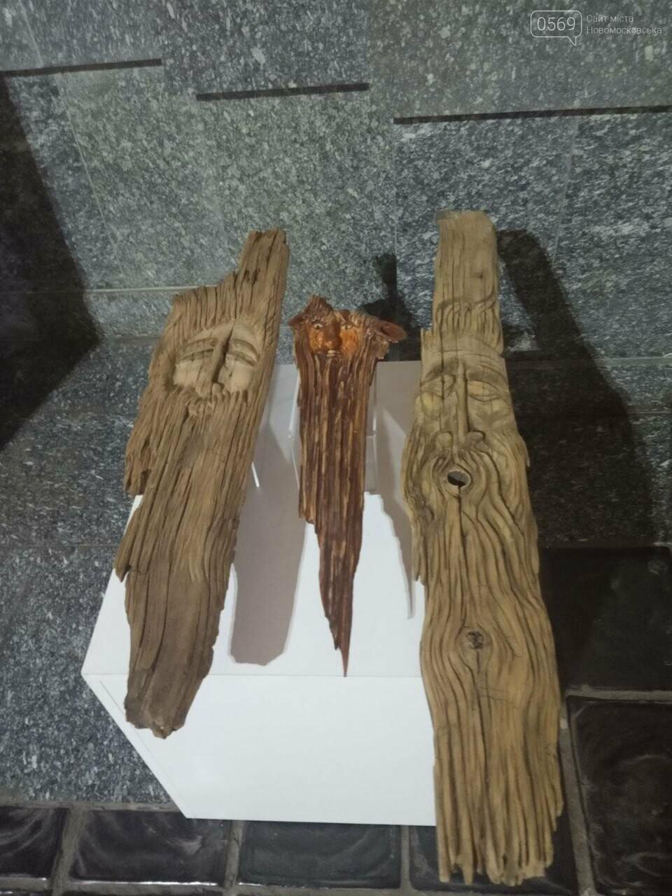Мешканців Дніпропетровщини запрошують на виставки дерев'яних скульптур, фото-1