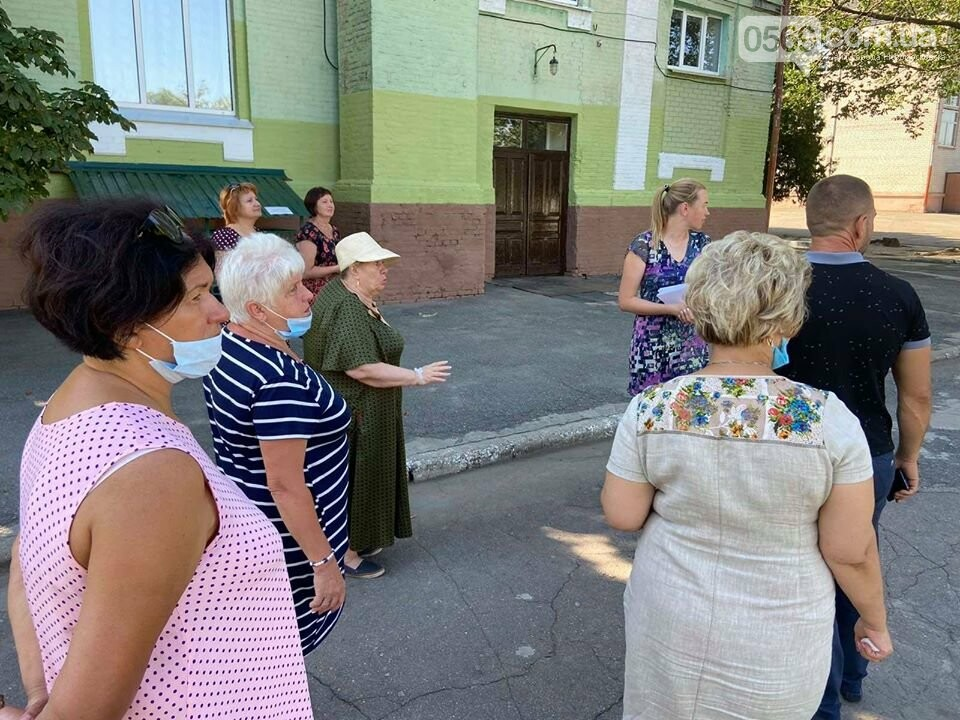 У Новомосковську конкурсна комісія відвідала навчальні заклади: незабаром голосування за «Кращий благоустрій територій шкіл та садочків», фото-7