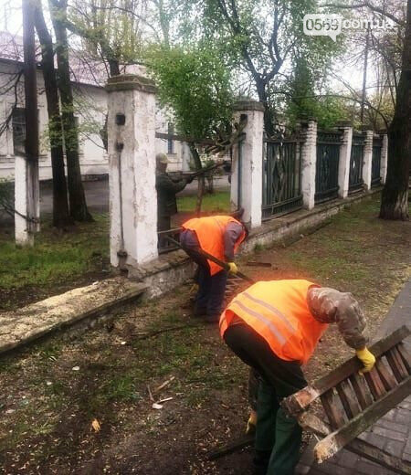 Усе  буде відкрито: у Новомосковську продовжують демонтаж огорожі корпусів колишньої лікарні, фото-4