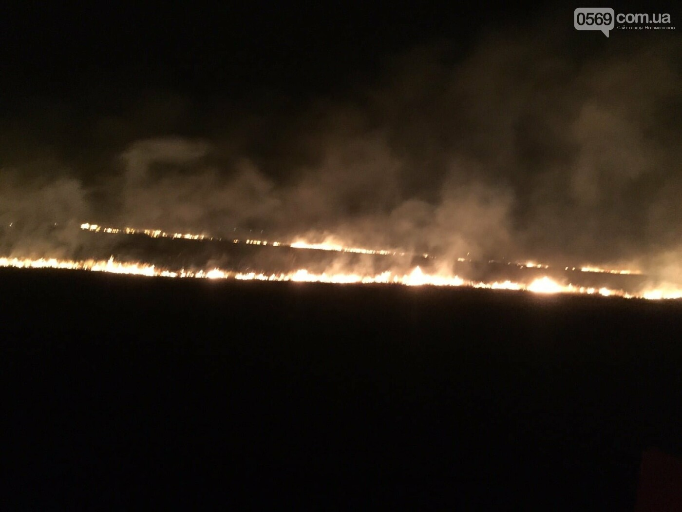 У ніч на 5 вересня більше сотні рятувальників і військових гасили під Новомосковськом масштабну пожежу, фото-2