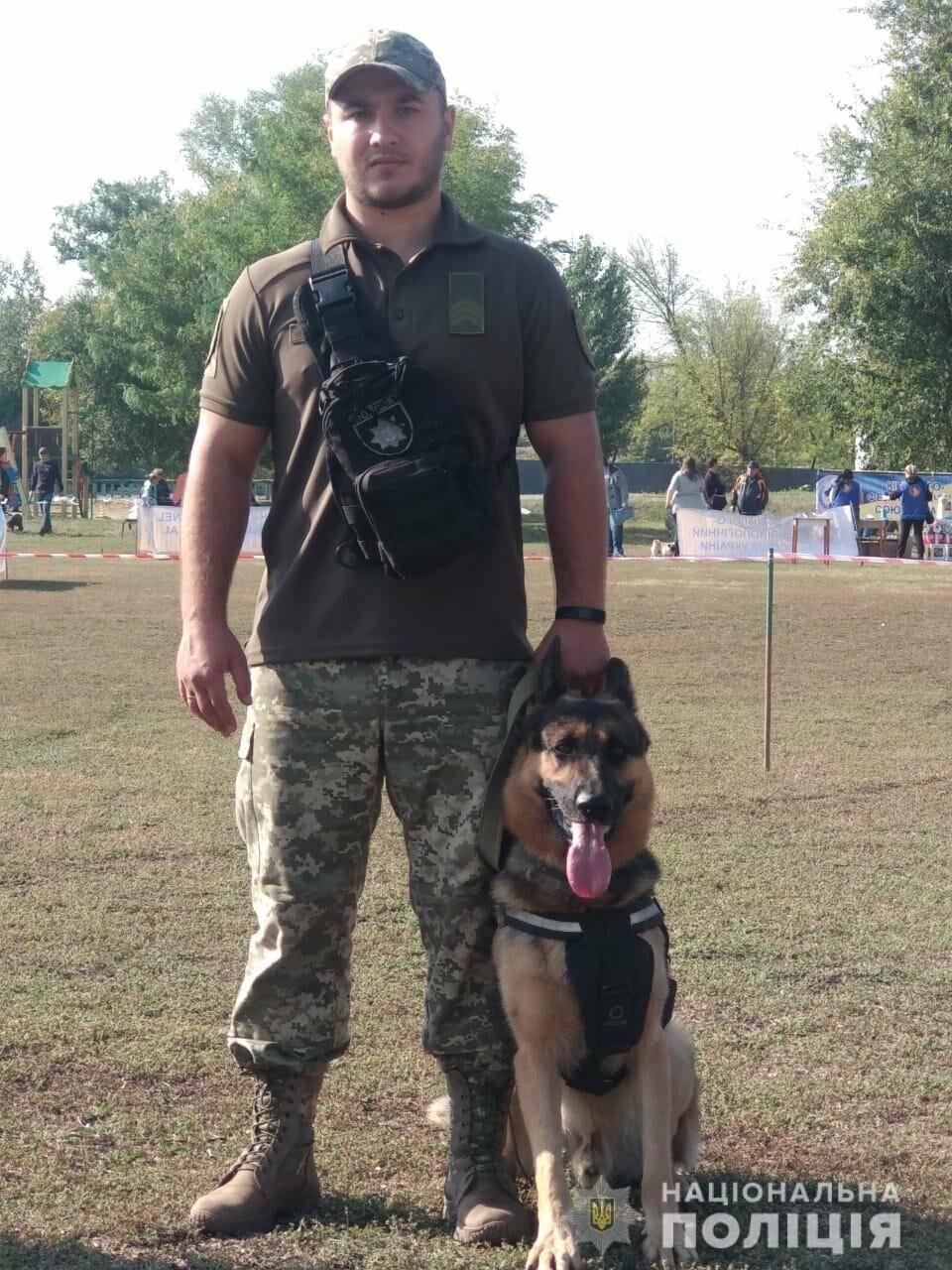 У Новомосковську поліцейські кінологи та їх вихованці взяли участь у показових виступах службових та охоронних собак, фото-4