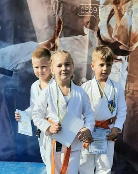 """Вихованці СК """"IRINA"""" з Новомосковська відзначились на чергових змаганнях: 4 золота Кубку області, фото-2"""