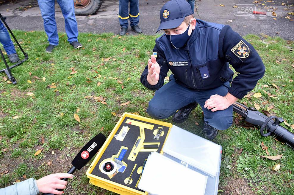 Рятувальники Новомосковська отримали спеціальний аварійно-рятувальний автомобіль легкого типу (ФОТО), фото-6