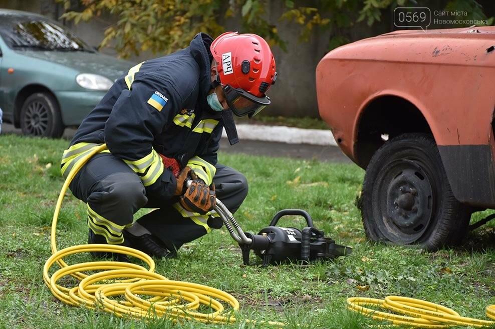 Рятувальники Новомосковська отримали спеціальний аварійно-рятувальний автомобіль легкого типу (ФОТО), фото-3
