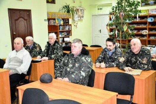 На черговому засіданні клубу любителів історії у Новомосковську говорили про Трипілля, фото-2