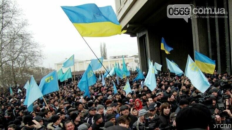 """Сьогодні Україна відзначає День кримськотатарського опору російській окупації: протистояння і """"зелені чоловічки"""", фото-1"""