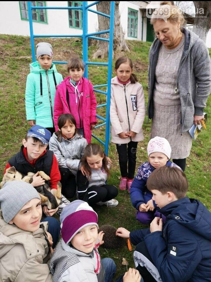 Учні школи, що в Андріївці Новомосковського району, навели лад біля свого навчального закладу , фото-3